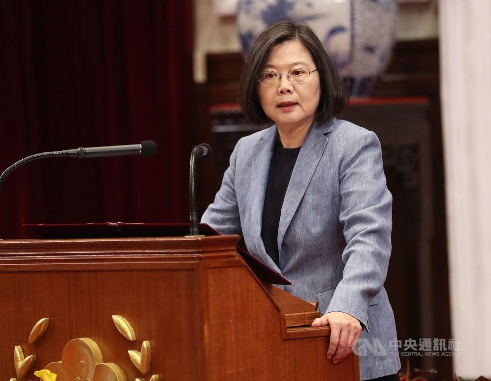 針對香港情勢,總統蔡英文強調兩個原則,「我們對香港的自由、民主、人權、自治的支持是不變的,對香港人照顧的決心也是不變的」,並沒有外面所言的「切割」問題。(中央社檔案照片)