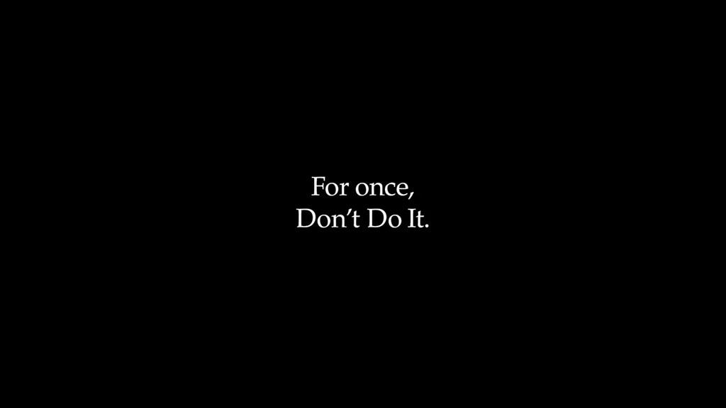 運動品牌Nike 30日在推特上釋出影片,以黑底白字顯示「就這一次,別這麼做…不要假裝美國沒有問題」。(圖取自twitter.com/Nike)
