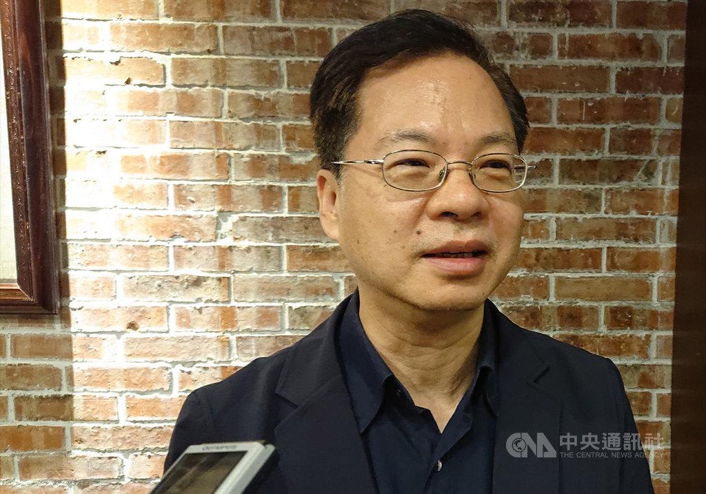 國發會主委龔明鑫認為,今年經濟第2季是低谷,而後逐季好轉。中央社記者潘姿羽攝 109年6月1日