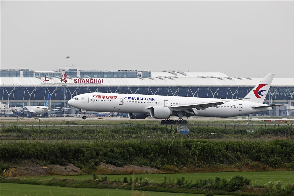 美中關係緊繃,美國運輸部3日下令16日起暫停中國航空公司班機進出美國。路透社指出,這項命令適用於中國國際航空、中國東方航空、南方航空等。(檔案照片/中新社提供)