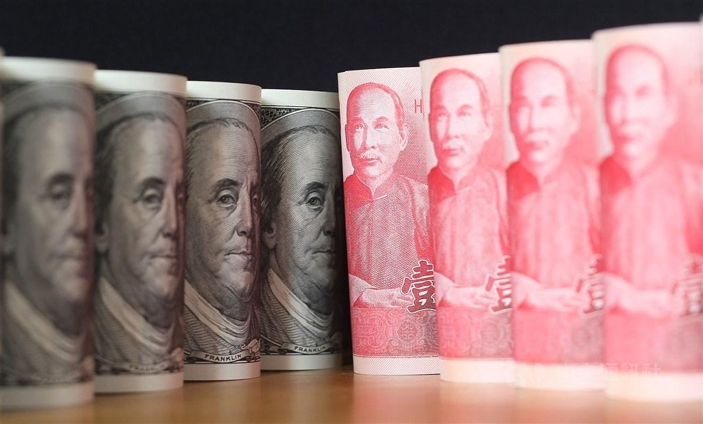 台北外匯市場新台幣兌美元10日中午暫收29.693元,升1.1角。(中央社檔案照片)