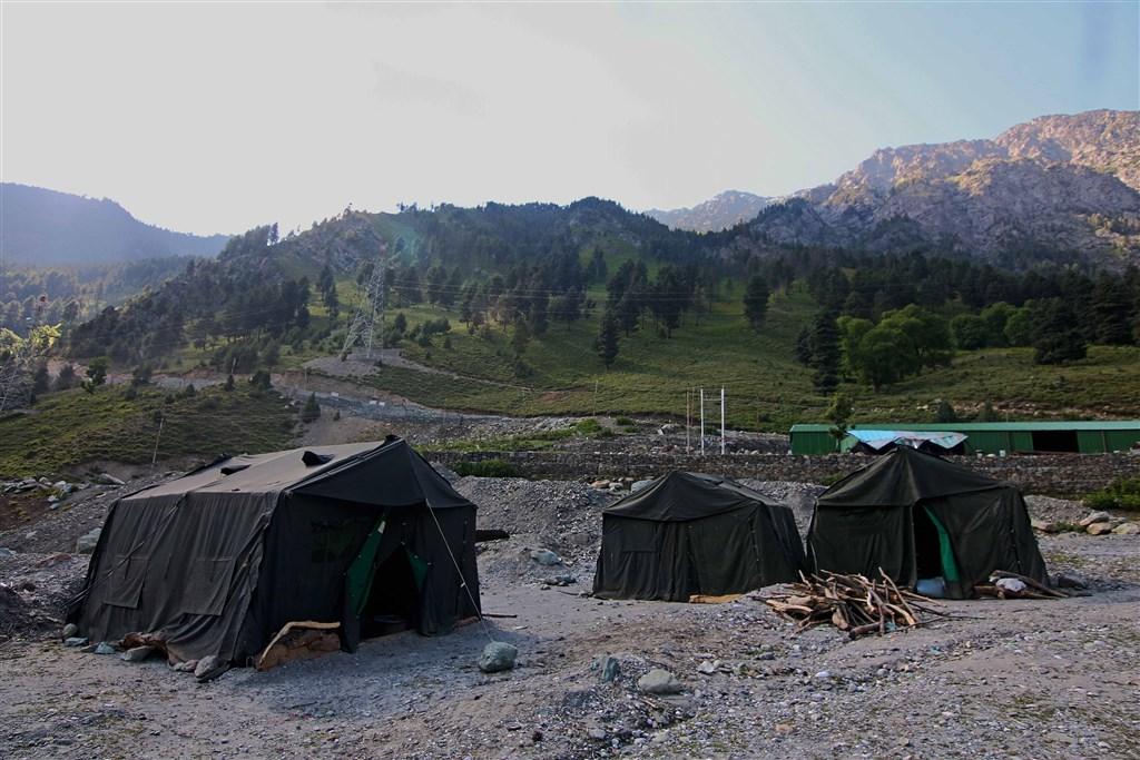 中國外交部23日證實中印邊防部隊22日在邊境地區舉行軍長級會晤,雙方同意採取措施推動嚴重衝突後事態降溫。圖為印軍在中印邊界的一處基地。(安納杜魯新聞社提供)