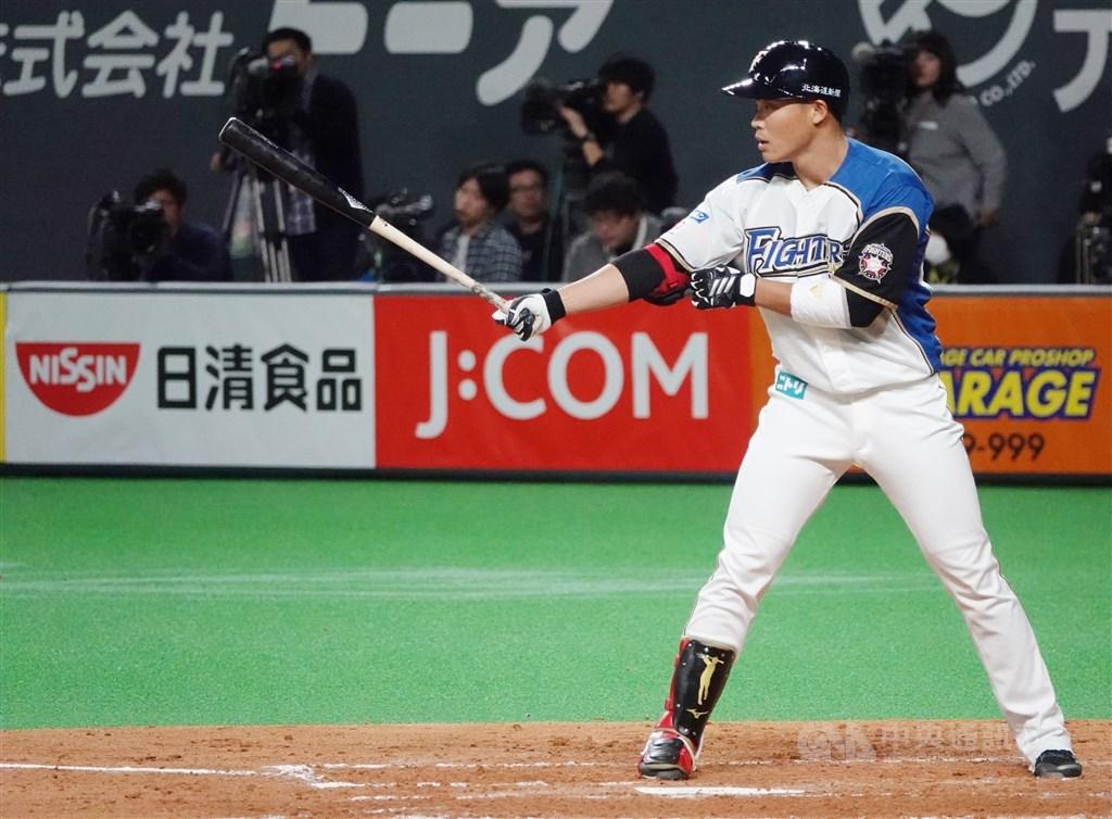 延後3個月之後,日本職棒19日終於開打,旅日第2年的王柏融盼揮別去年不理想的成績,他說會努力表現,以回報球隊看重之恩。(中央社檔案照片)