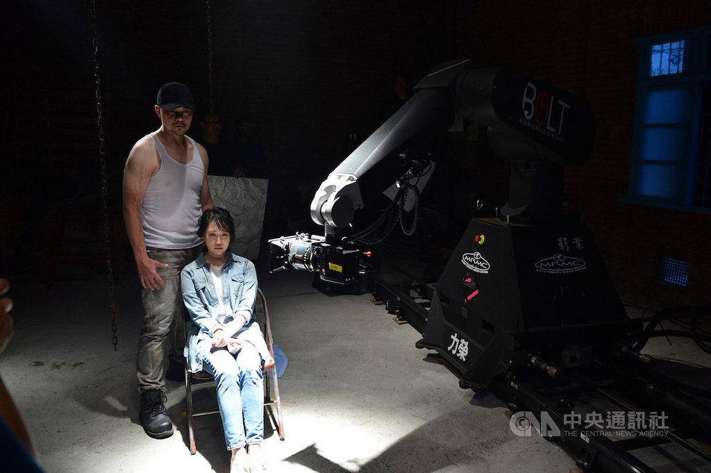 八大電視28日宣布與韓國OCN電視台策略合作,將在八大綜合台推出「OCN劇場」,為讓台灣觀眾再次重溫VOICE等懸疑代表作品,還用高規格攝影器材拍攝前導系列預告。(八大電視提供)中央社記者鄭景雯傳真 109年6月28日