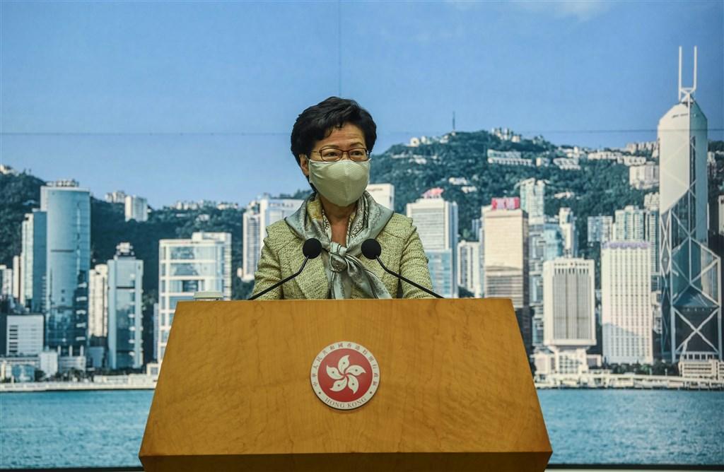 中國全國人大常委會30日通過港區國安法後,香港行政長官林鄭月娥(圖)表示,港區國安法會在30日稍後生效,特區政府會盡快完成刊憲公布程序,讓此法同步在香港實施。(中新社提供)