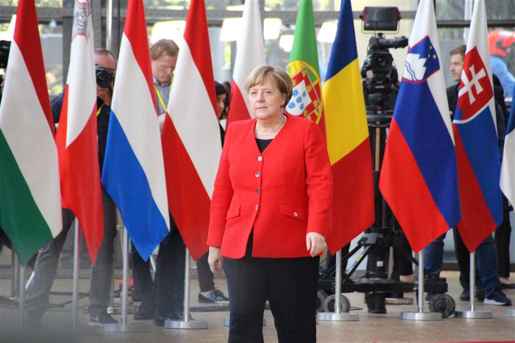 歐盟與英國的貿易談判離最後期限只剩下半年,到目前為止談判進展有限,德國總理梅克爾(圖)呼籲歐盟為英國硬脫歐預作準備。(中央社檔案照片)