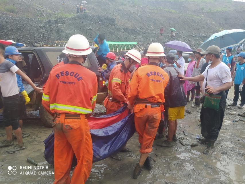 緬甸北部一處玉礦礦場2日發生坍方,當地官員表示目前至少已發現多具罹難者遺體,傷亡慘重。(圖取自facebook.com/fsd.gov.mm)