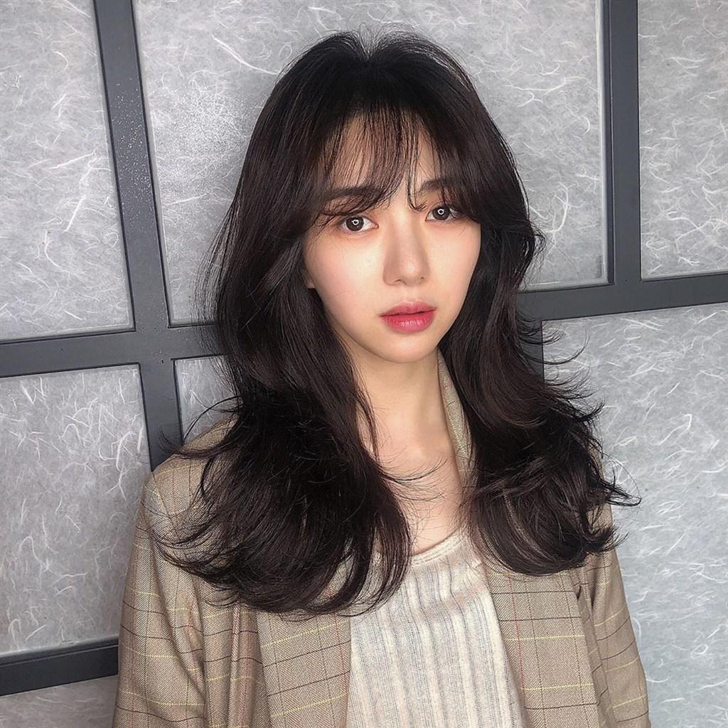 韓國女團AOA前成員珉娥3日在發文透露,過去曾被某位團員霸凌10年,求網友別再惡言相向。(圖取自珉娥IG網頁instagram.com/kvwowv)