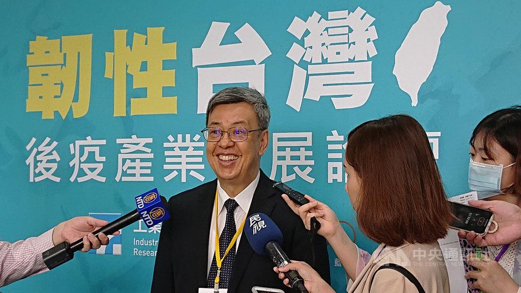 前副總統、中央研究院院士陳建仁對武漢肺炎疫苗研發有信心,認為進度相當順遂。中央社記者潘姿羽攝 109年7月6日