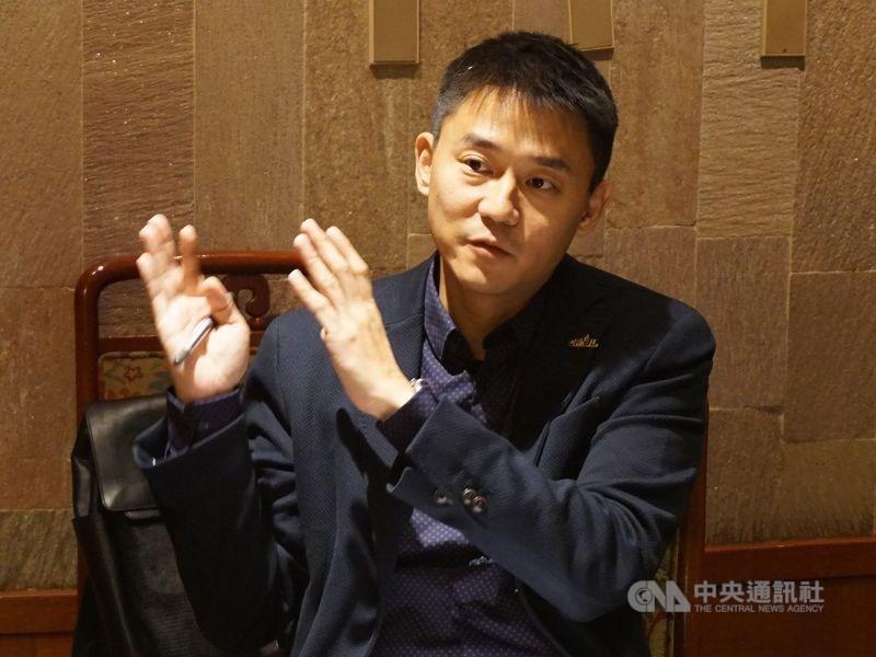 台中市政府副秘書長朱康震被週刊爆料劈腿3女,對此,朱康震8日請假未進辦公室,也不接電話。(中央社檔案照片)