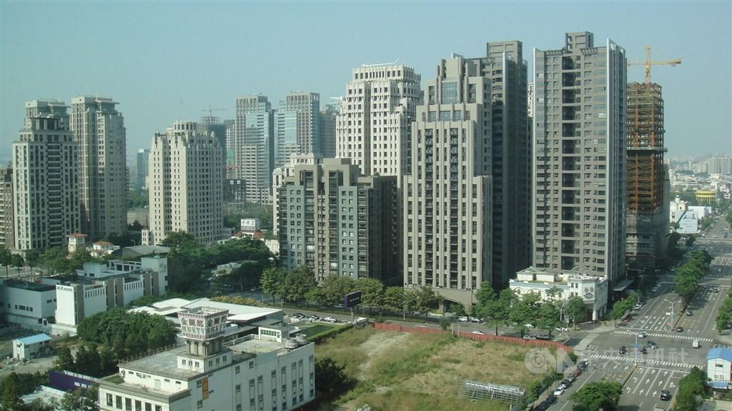 內政部官員10日指出,目前台灣無明顯分配不均的囤房現象,真正的問題是應把房屋交易真實價格呈現出來,避免有心人士炒房。(中央社檔案照片)