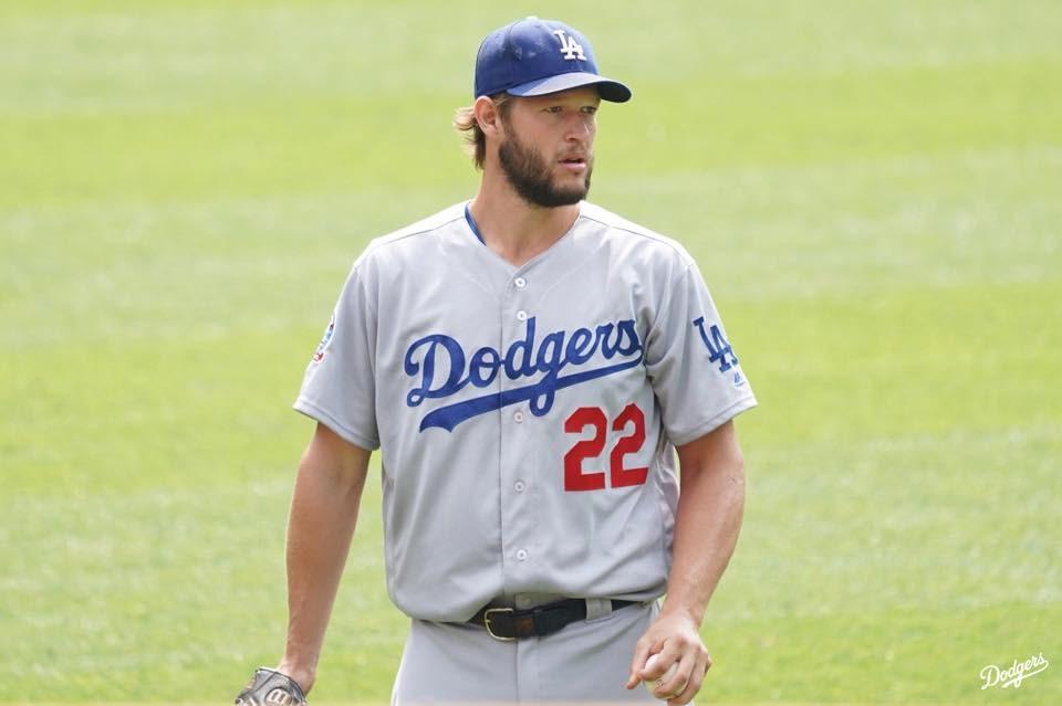 美國職棒大聯盟(MLB)兩週後開賽,這個各隊只打60場的迷你球季,冠軍純度與正當性引起討論,道奇王牌投手柯蕭認為,這樣對奪冠隊伍不公平。(圖取自facebook.com/Dodgers)