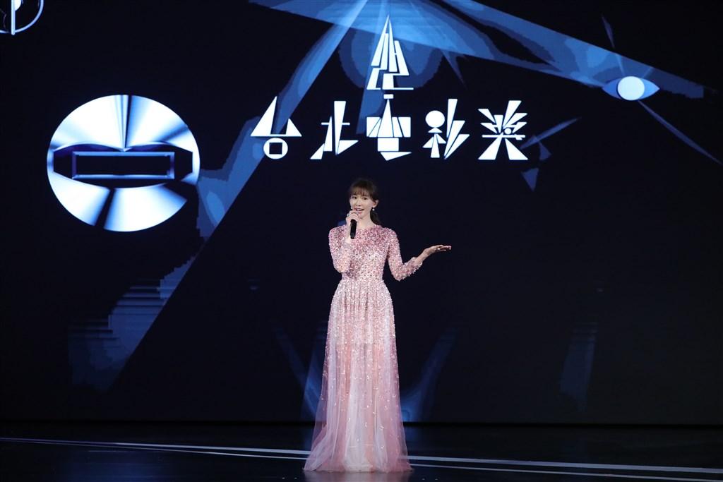 今年台北電影獎頒獎典禮11日晚間在台北市中山堂舉行。藝人林志玲驚喜登場,擔任開場引言人。(台北電影節提供)中央社