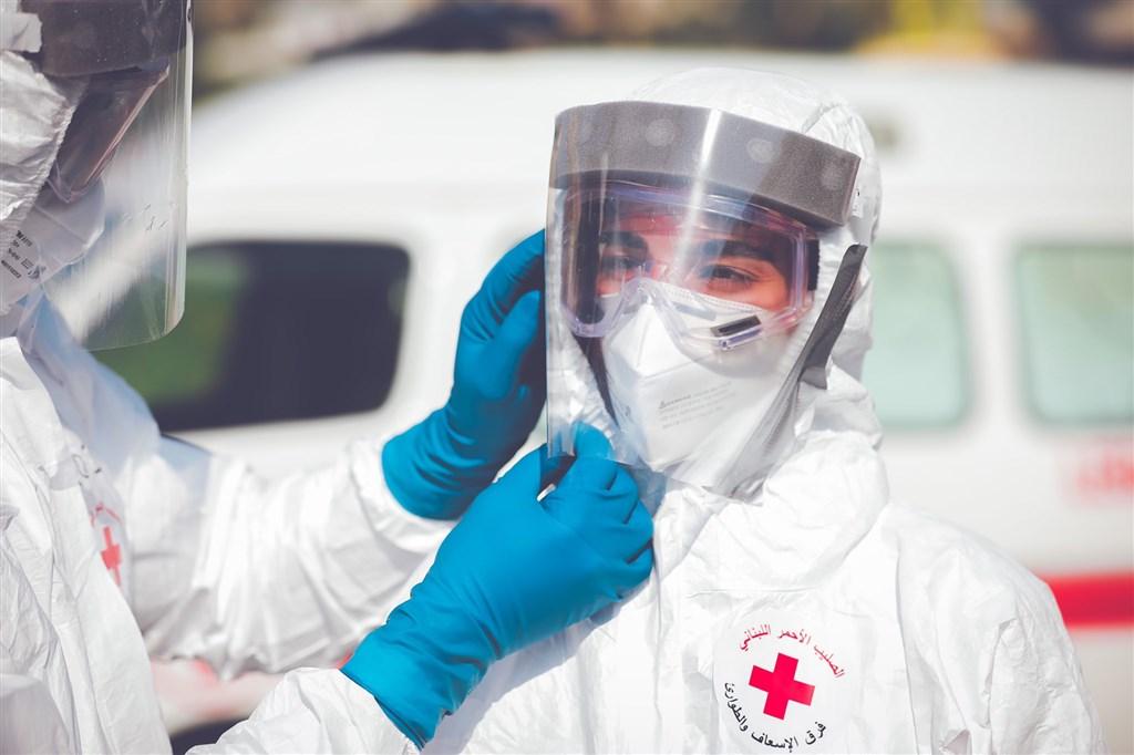 黎巴嫩衛生部12日通報,新增166起武漢肺炎病例,創下2月疫情爆發後的單日新高。(圖取自twitter.com/RedCrossLebanon)