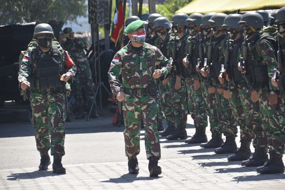 印尼最近爆發兩起軍校的武漢肺炎群聚感染,共有超過1300人確診。(圖取自facebook.com/TNIAngkatanDarat)