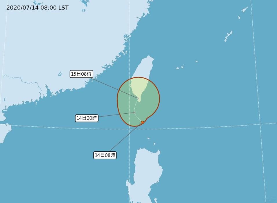 位於鵝鑾鼻南方170公里的熱帶性低氣壓逼近南台灣,氣象局表示,恆春半島、東南部及中南部會陸續開始降雨。圖為14日上午熱帶性低氣壓路徑潛勢預報。(圖取自氣象局網頁cwb.gov.tw)