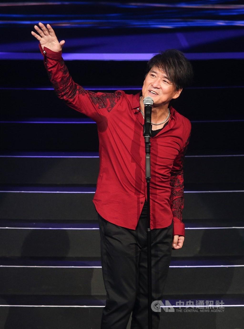 第31屆金曲獎15日公布入圍名單,最佳國語男歌手入圍者周華健(圖)表示,和後輩們搶坐位,很害羞,祝福真正的少年得獎。(中央社檔案照片)