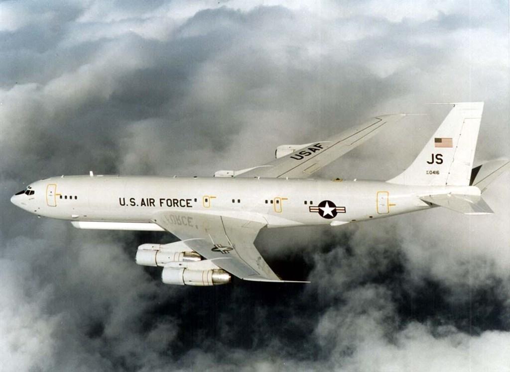 「南海戰略態勢感知計劃」平台披露,一架美軍E-8C聯合監視指揮機5日晚間9時許再飛近中國廣東偵查。圖為E-8C同型機。(圖取自維基共享資源網頁,版權屬公有領域)