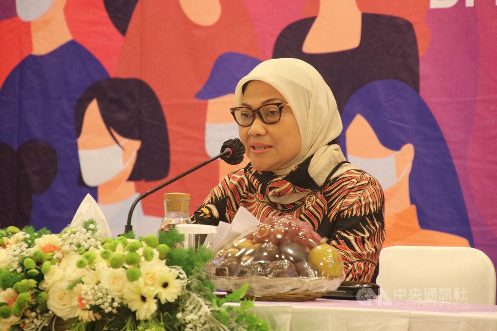 印尼勞動部部長伊達30日宣布,印尼已和14個國家達成重新輸出移工的協議,包括台灣。中央社記者石秀娟雅加達攝 109年7月30日