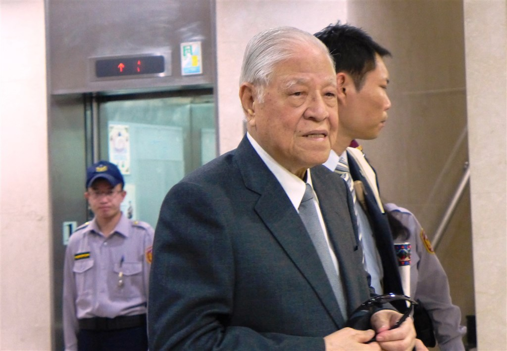 前總統李登輝(前)過世,享壽98歲。(中央社檔案照片)