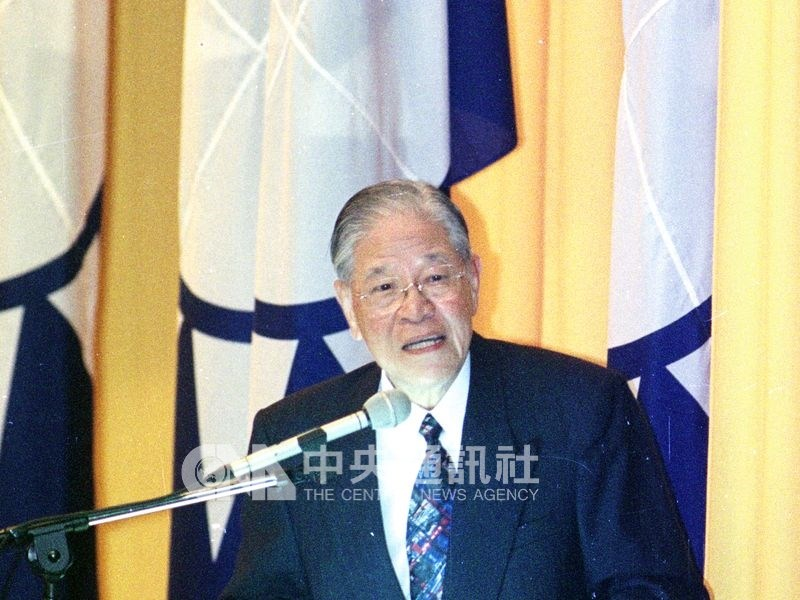 前總統李登輝推動「寧靜革命」,帶領台灣走向民主化和本土化,另方面也種下國民黨日後分裂,一黨獨大崩解。(中央社檔案照片)