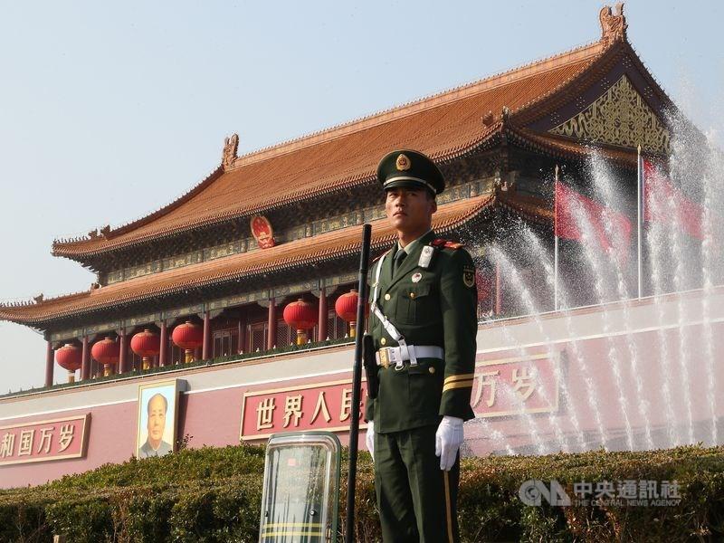 中共對外官媒環球時報總編輯胡錫進稱,美國迄今拒絕延長近40名中國記者簽證,中方將「猛烈報復」。(中央社檔案照片)