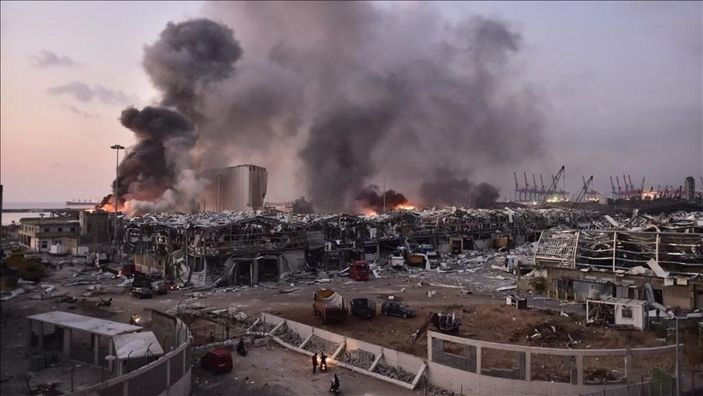 黎巴嫩首都貝魯特4日發生大爆炸,造成至少163人死亡、6000多人受傷,另有約6000棟建築物毀損。(安納杜魯新聞社)