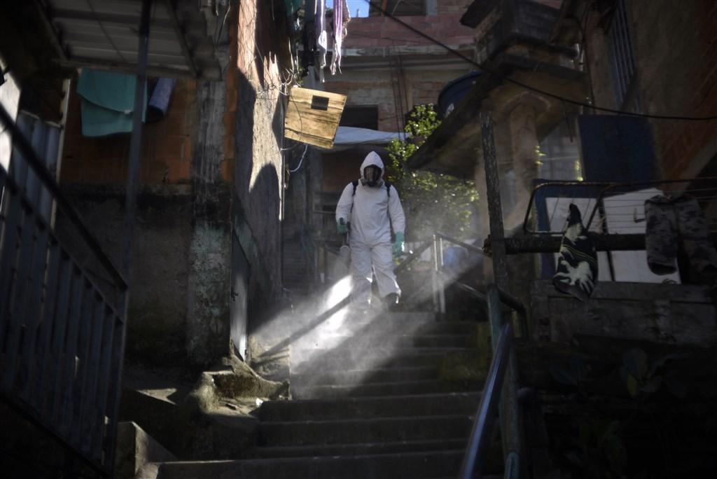 巴西各州衛生廳最新武漢肺炎疫情資料指出,3日新增5萬6411例確診,1394人死亡,累計280萬8076例確診,9萬6096人死亡。(安納杜魯新聞社)