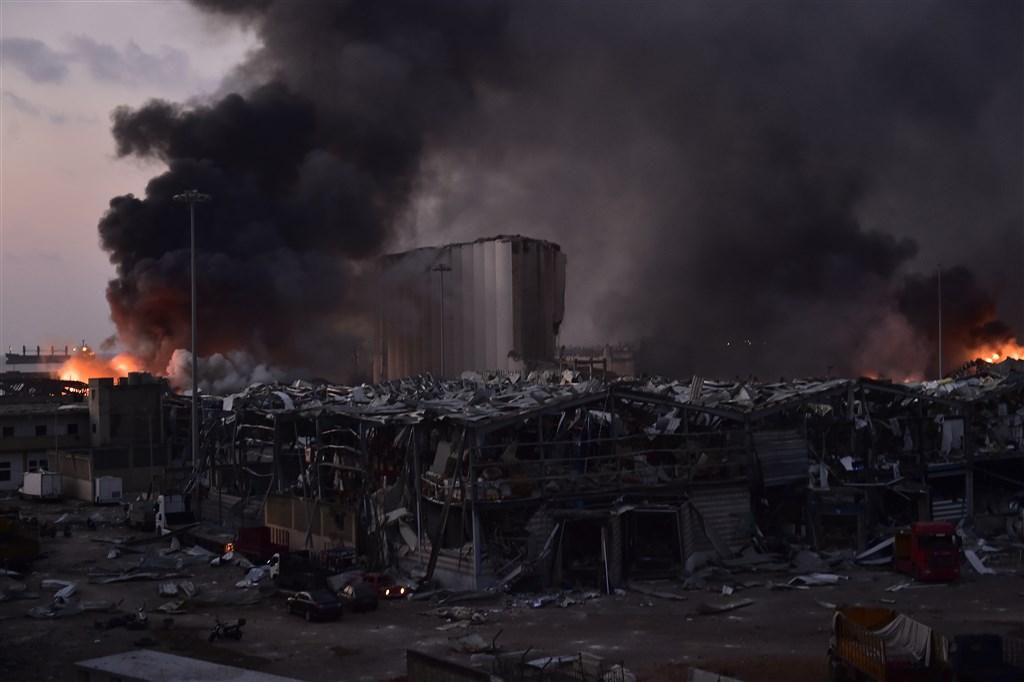 黎巴嫩首都貝魯特市中心附近港區4日發生大爆炸,至少78死和近4000傷。(安納杜魯新聞社)