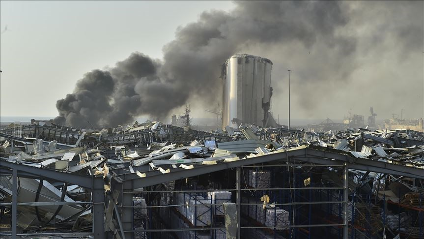 貝魯特港區4日發生硝酸銨大爆炸後,黎巴嫩可謂已處崩潰邊緣。(安納杜魯新聞社)