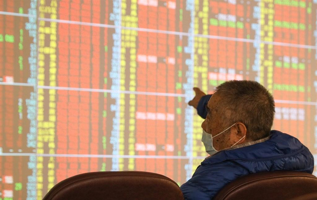 台股6日開高走高,收盤漲111.2點,為12913.5點,漲幅0.87%。(中央社檔案照片)