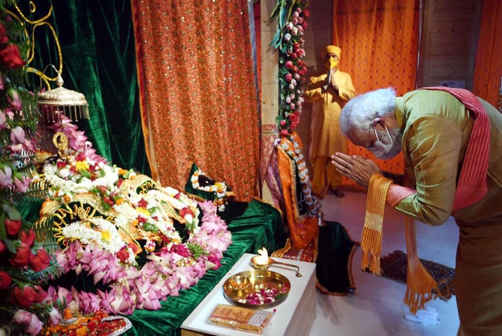 印度總理莫迪出席印度教神明羅摩神廟奠基儀式。(圖取自facebook.com/narendramodi)