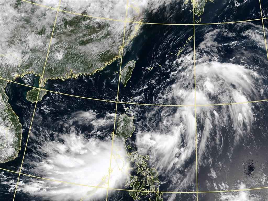 中央氣象局表示,位於菲律賓東方海面上的熱帶性低氣壓最快8日下午增強為颱風薔蜜。圖為8日上午11時10分台灣附近衛星雲圖。(圖取自氣象局網頁www.cwb.gov.tw)