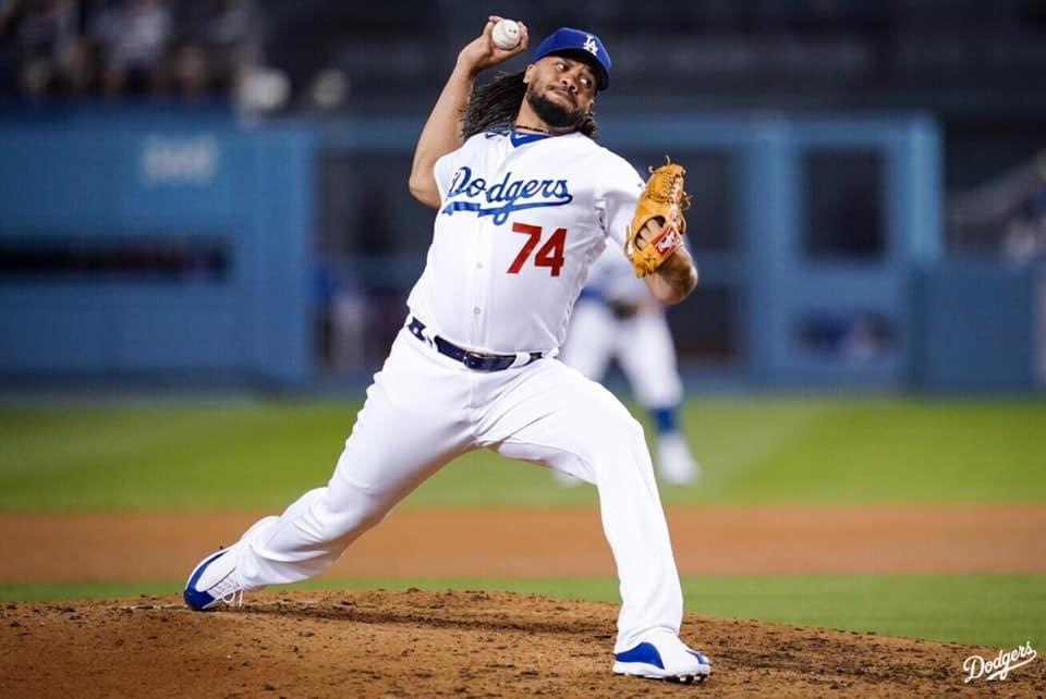 美國職棒大聯盟開賽至今,洛杉磯道奇後援投手簡森是少數染疫之後重回場上的球員。(圖取自facebook.com/Dodgers)