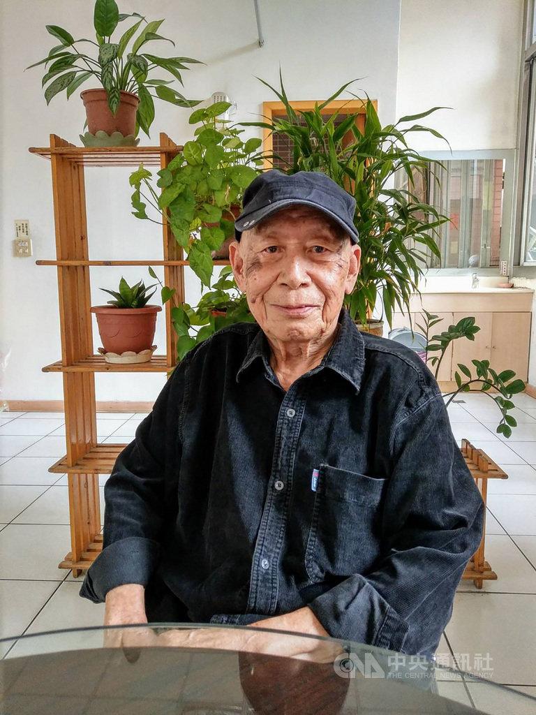 第31屆傳藝金曲獎特別獎得主11日公布,作曲家曾仲影榮獲出版類特別獎,曾為二二八受難者的他,在出獄後投身音樂創作,創作電影配樂、流行音樂以及歌仔戲歌曲無數,對台灣傳統戲曲與流行歌曲的縫合貢獻很大。(文化部提供)中央社 109年8月11日