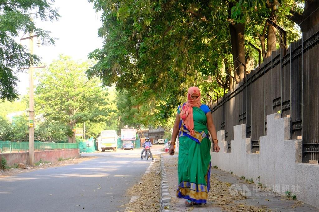 印度衛生部13日通報境內新增6萬6999人確診武漢肺炎,再創單日新高紀錄。(中央社檔案照片)