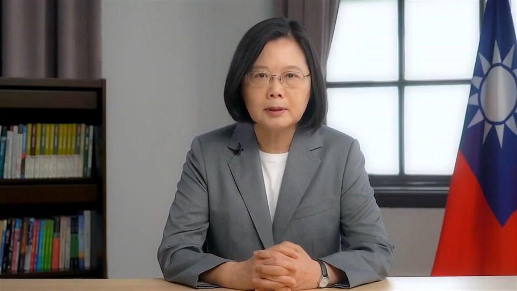 總統蔡英文台灣時間12日在美國智庫「哈德遜研究所」與「美國進步中心」合辦的視訊會議發表錄影演說,表示台灣將繼續提供香港民眾人道援助。(圖取自Hudson Institute YouTube頻道網頁youtube.com)