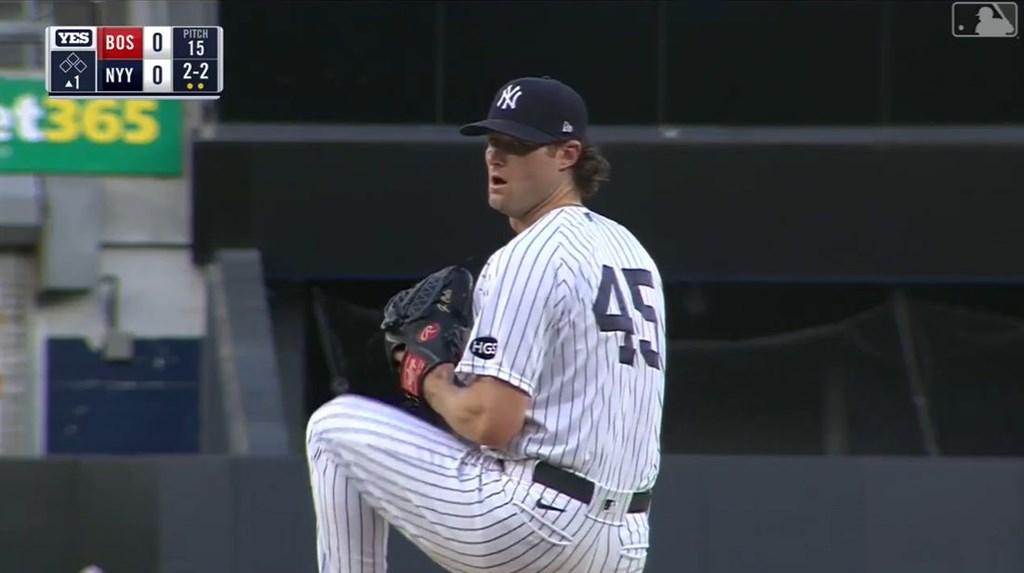大聯盟紐約洋基王牌投手柯爾14日投7局,送出8次三振,僅失一分,終場洋基以10比3大勝波士頓紅襪,柯爾跨季20連勝到手。(圖取自facebook.com/Yankees)