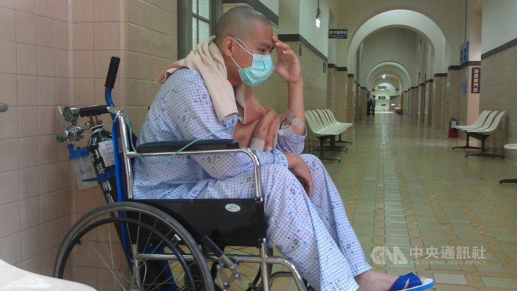 許多癌友不知道治癌可能影響生育,罹患急性骨髓性白血病的傳勇(圖)當年得知罹癌心慌意亂,幸好護理師主動告知可儲精,才讓他有機會孕育下一代。(癌症希望基金會提供)中央社記者陳偉婷傳真 109年8月15日