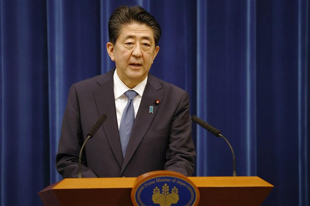 日本首相安倍晉三28日召開記者會表達請辭首相。(共同社)