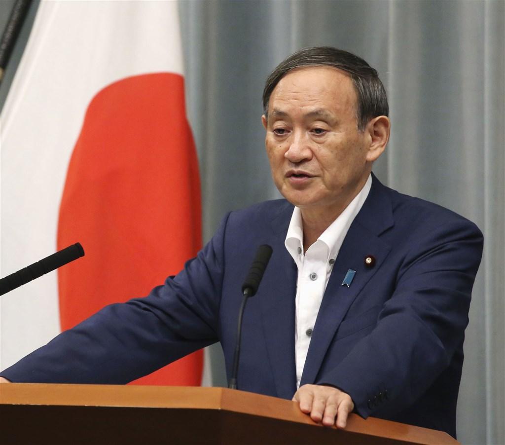 日本執政黨自民黨正研究總裁選舉方式與期程,目前未歸屬任何派系的內閣官房長官菅義偉,被傳出一旦出馬,將成有機會勝選的候選人。(共同社)