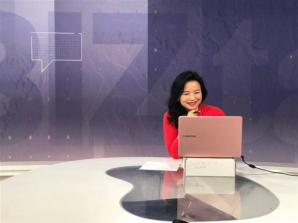 澳洲外交部長潘恩31日表示,在中國官媒中國環球電視網擔任主播的澳洲公民成蕾(圖)已遭中國當局拘留長達2週。(圖取自twitter.com/ChengLeiCGTN)