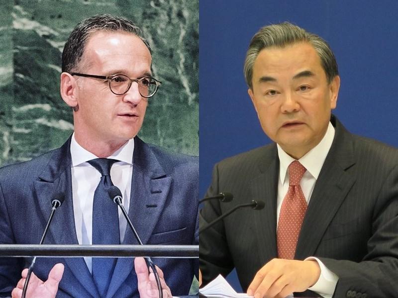 中國外長王毅(右)9月1日訪問柏林,德國外長馬斯(左)與他會談時將關注香港和人權等議題。(左圖取自facebook.com/heiko.maas.98、右圖中央社檔案照片)