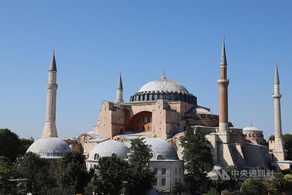 土耳其破獲聖戰組織伊斯蘭國圖謀攻擊世界遺產聖索菲亞(圖)及將土耳其政要綁架到敘利亞的計畫。(中央社檔案照片)