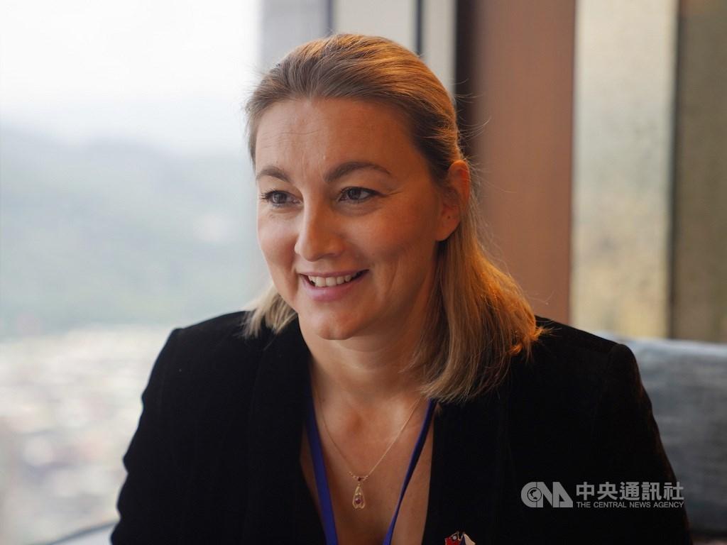布拉格愛樂確定將於2021年10月訪台,自2021年10月8日起到10日在台灣演出3場,樂團總監卡利斯多娃(Kateřina Kalistová)指出,樂團將會帶來兩套曲目,包含捷克作曲家及樂聖貝多芬的作品。中央社記者徐肇昌攝 109年9月4日