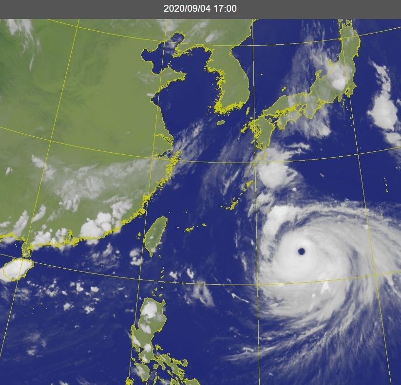 中央氣象局4日表示,隨著強颱海神逐漸北移帶來乾空氣,5、6日都是多雲到晴的天氣型態。海神預計在韓國登陸,將影響日本九州。(圖取自氣象局網頁cwb.gov.tw)
