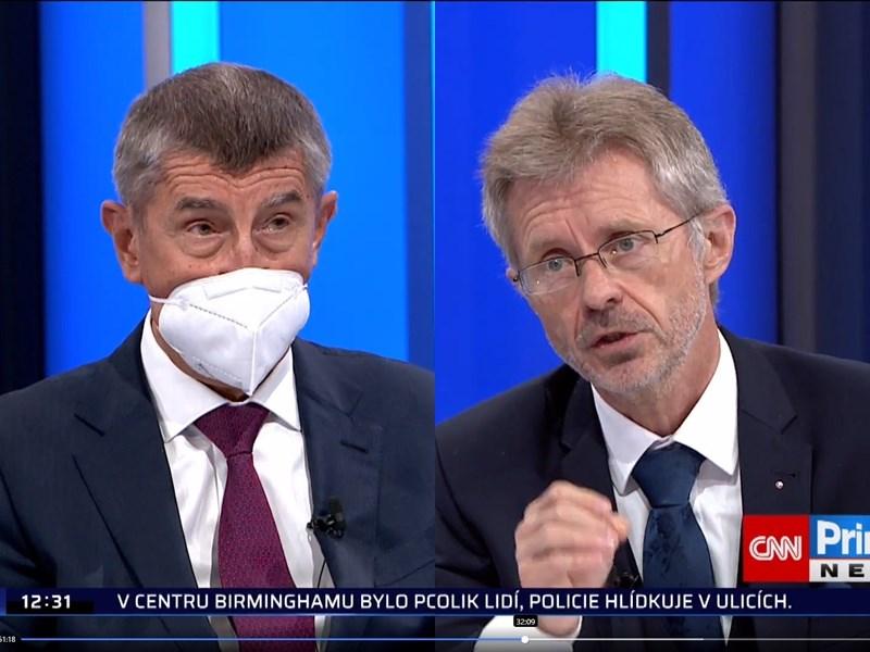 捷克參議院議長維特齊(右)6日在新聞節目上與總理巴比斯(左)同台激辯,維特齊強調捷克若想繁榮,就必須擁有自由與民主,不能仰賴非民主國家。(圖取自facebook.com/cnnprima)
