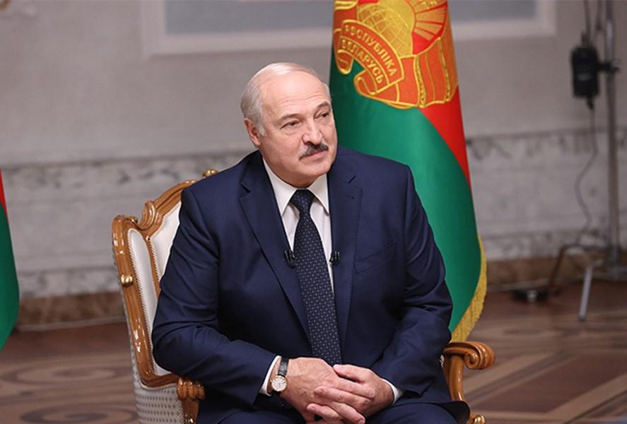 白俄羅斯贏得6連任的總統魯卡申柯8日接受俄羅斯媒體訪問說,他不會下台,但自己在位有點久,不排除提前舉行總統大選。(圖取自白俄羅斯總統府網頁president.gov.by)