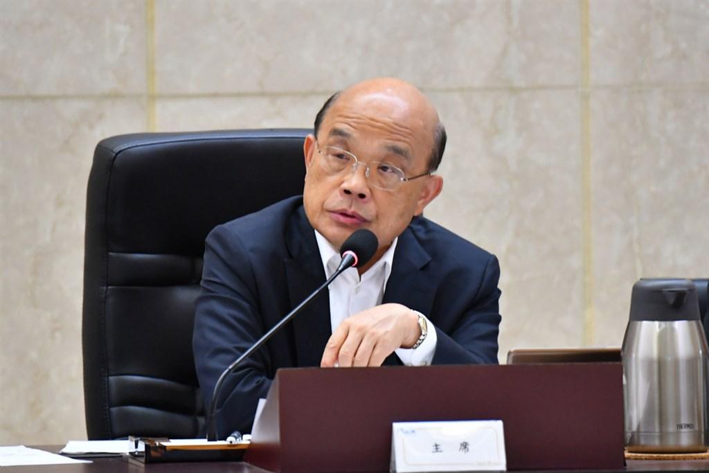 行政院長蘇貞昌10日在院會下達多項指示,杜絕偽標MIT口罩混入實名制。(中央社檔案照片)