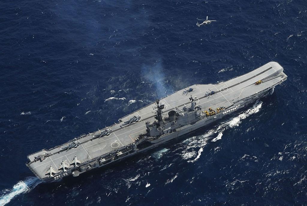 印度總理莫迪10日與日本首相安倍晉三進行電話會談,歡迎印度與日本部隊簽署了相互提供物資與服務協定,並指此舉將為印太和平安全做出貢獻。圖為印度航空母艦維拉特號。(圖取自維基共享資源,版權屬公有領域)